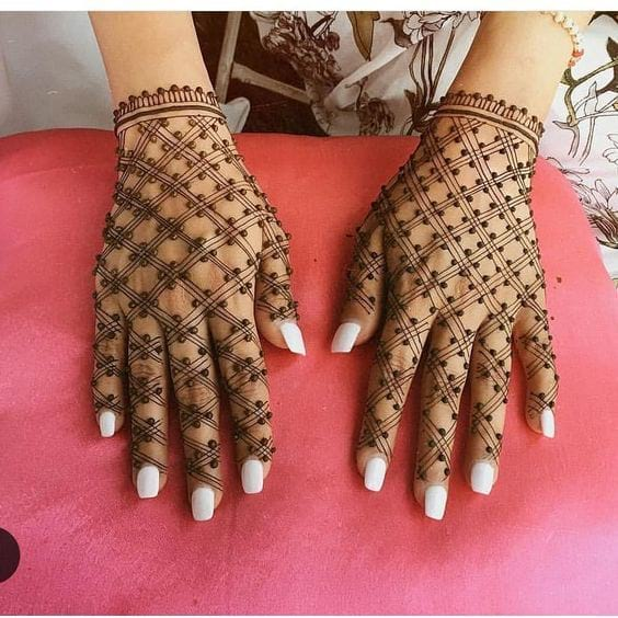 Bombay Style Dot Mehandi Design for Hands