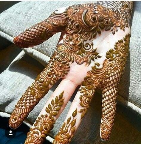 Bombay mehndi design for Palm