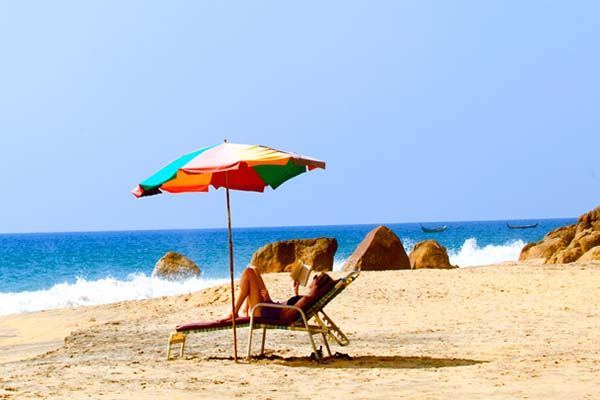 Cheapest honeymoon place Kovalam in India with beautiful beaches