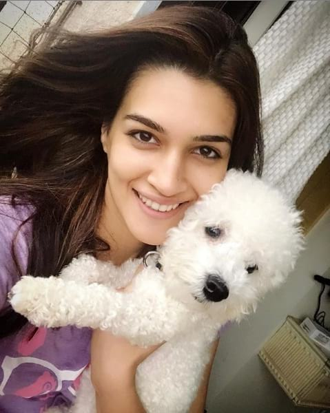 Most beautiful actress Kriti Sanon in bollywood without makeup