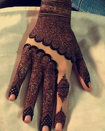 Most unique and adorable mehndi design for hand