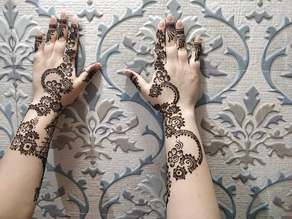 Mehandi Back Hand Design
