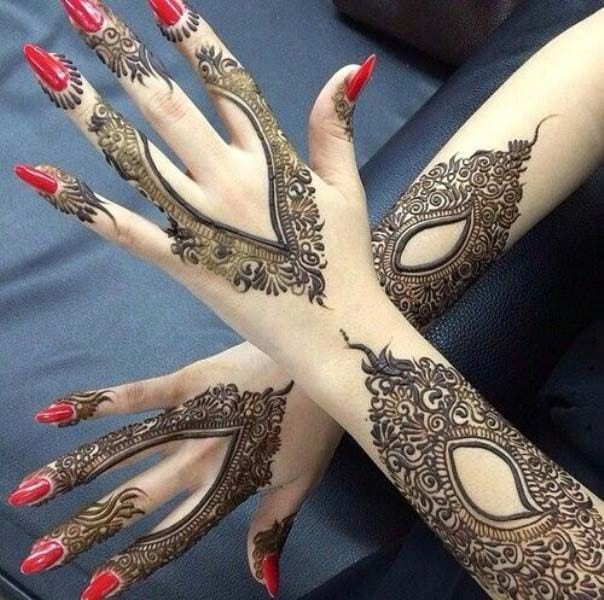 Simple Asha Savla Mehndi Designs