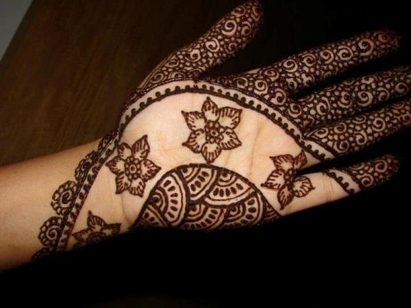 Beautiful Mehndi Designs by Asha Savla